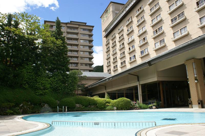 お子様用の夏季限定屋外プールも7月下旬からオープン