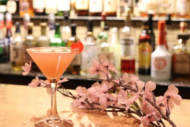 バー「マローネ」春薫るカクテル 『飛騨桜』