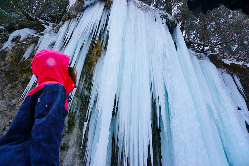 巨大な氷瀑に圧巻~小坂な冬の滝めぐり①~