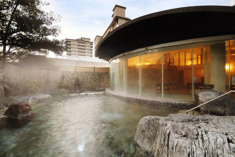 山水閣1階「野天風呂」