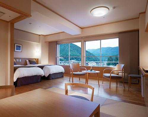 Japanese/Western-style room